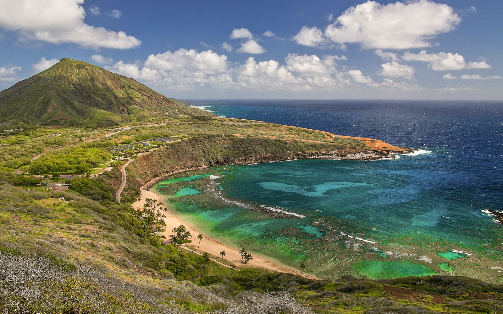 9 Sights In Hawaii You Must See On Your First Visit (1)