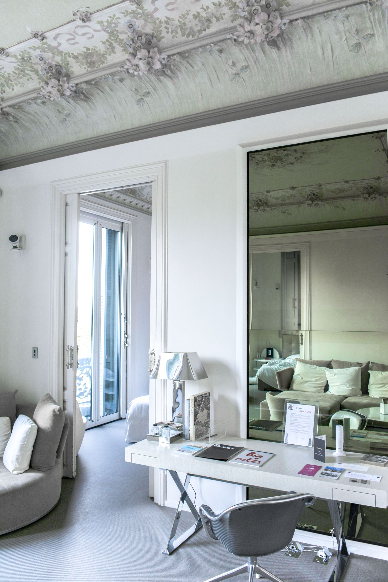 El Palauet Living: The Most Amazing Hotel To Stay In Barcelona, Spain (14)
