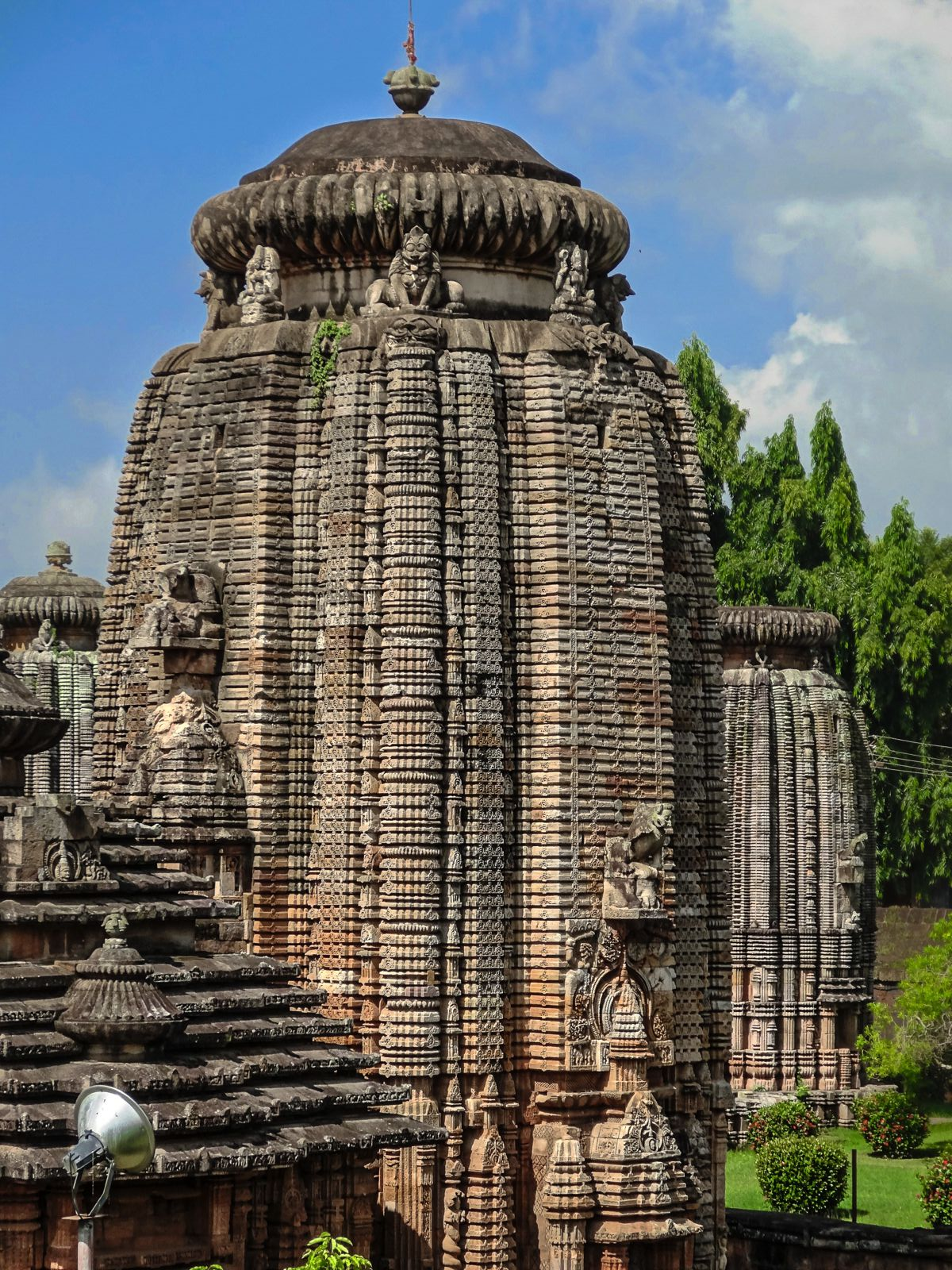 10 Stunning Temples You Must Explore In India (6)