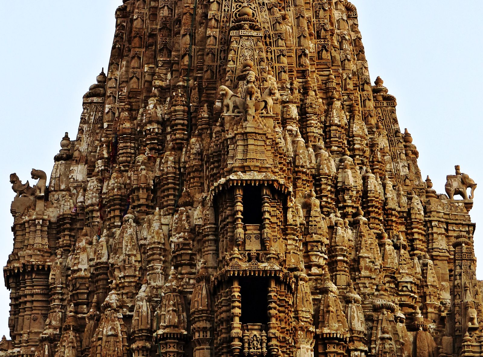 10 Stunning Temples You Must Explore In India (5)
