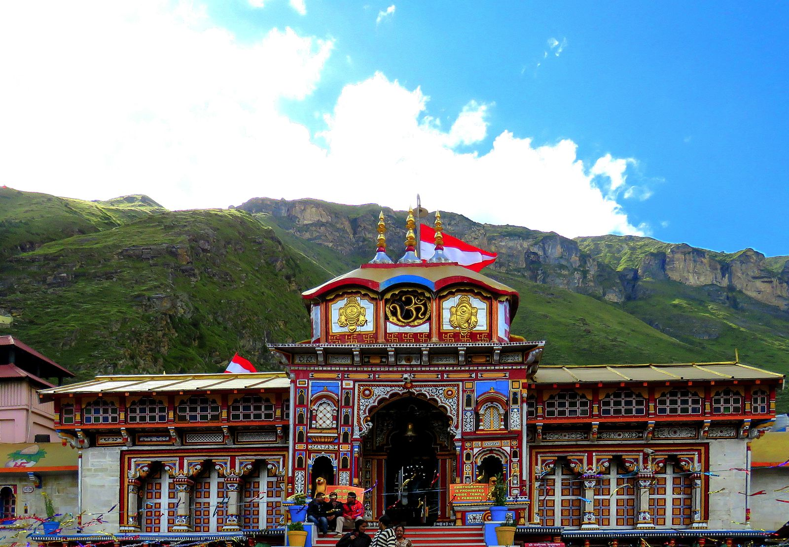 10 Stunning Temples You Must Explore In India (4)