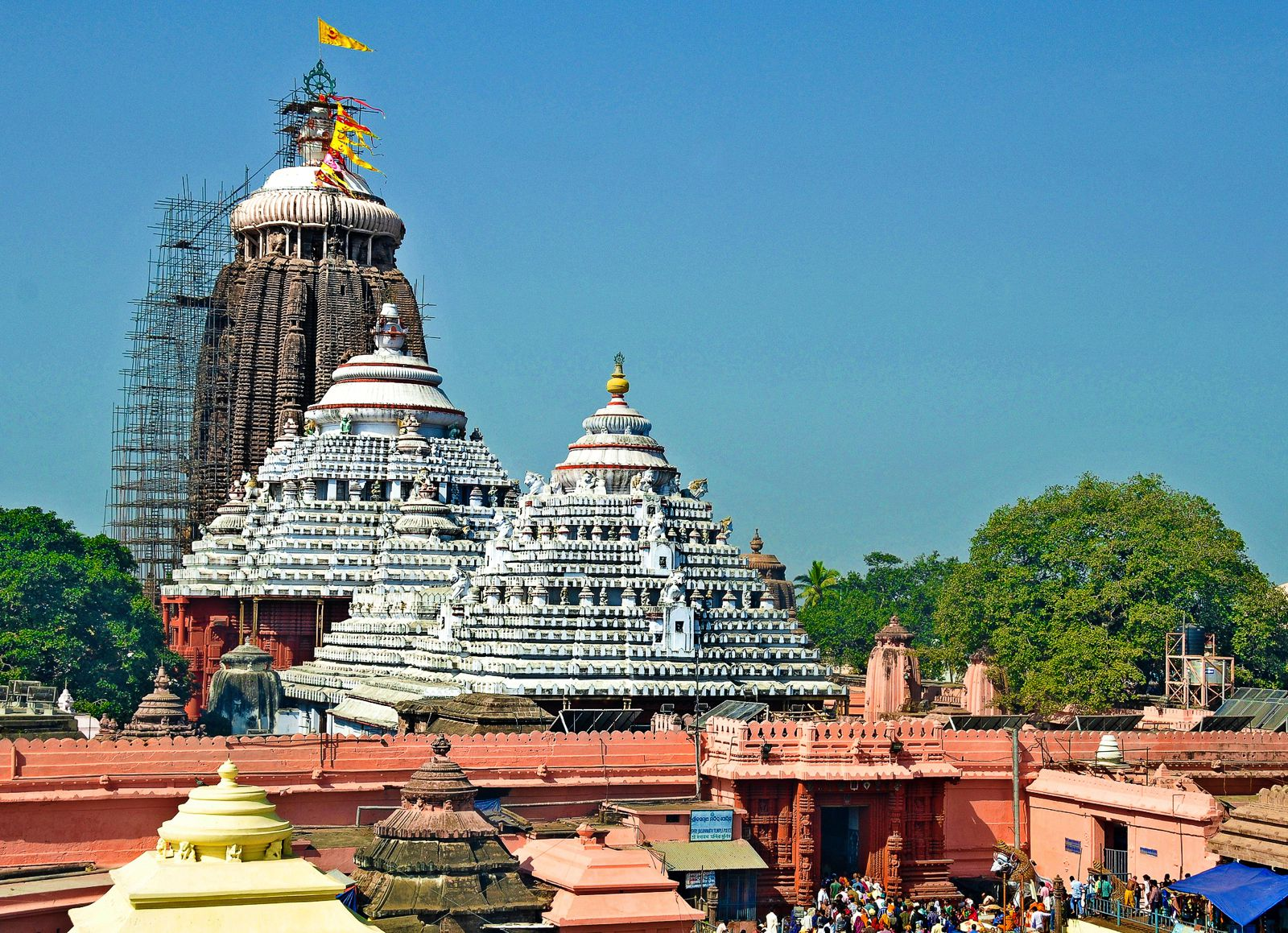 10 Stunning Temples You Must Explore In India (16)