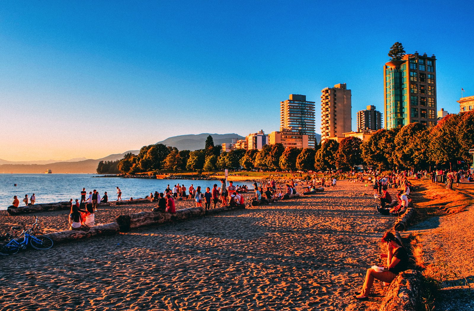 14 Fantastic Places You Have To Visit In Vancouver, Canada (13)