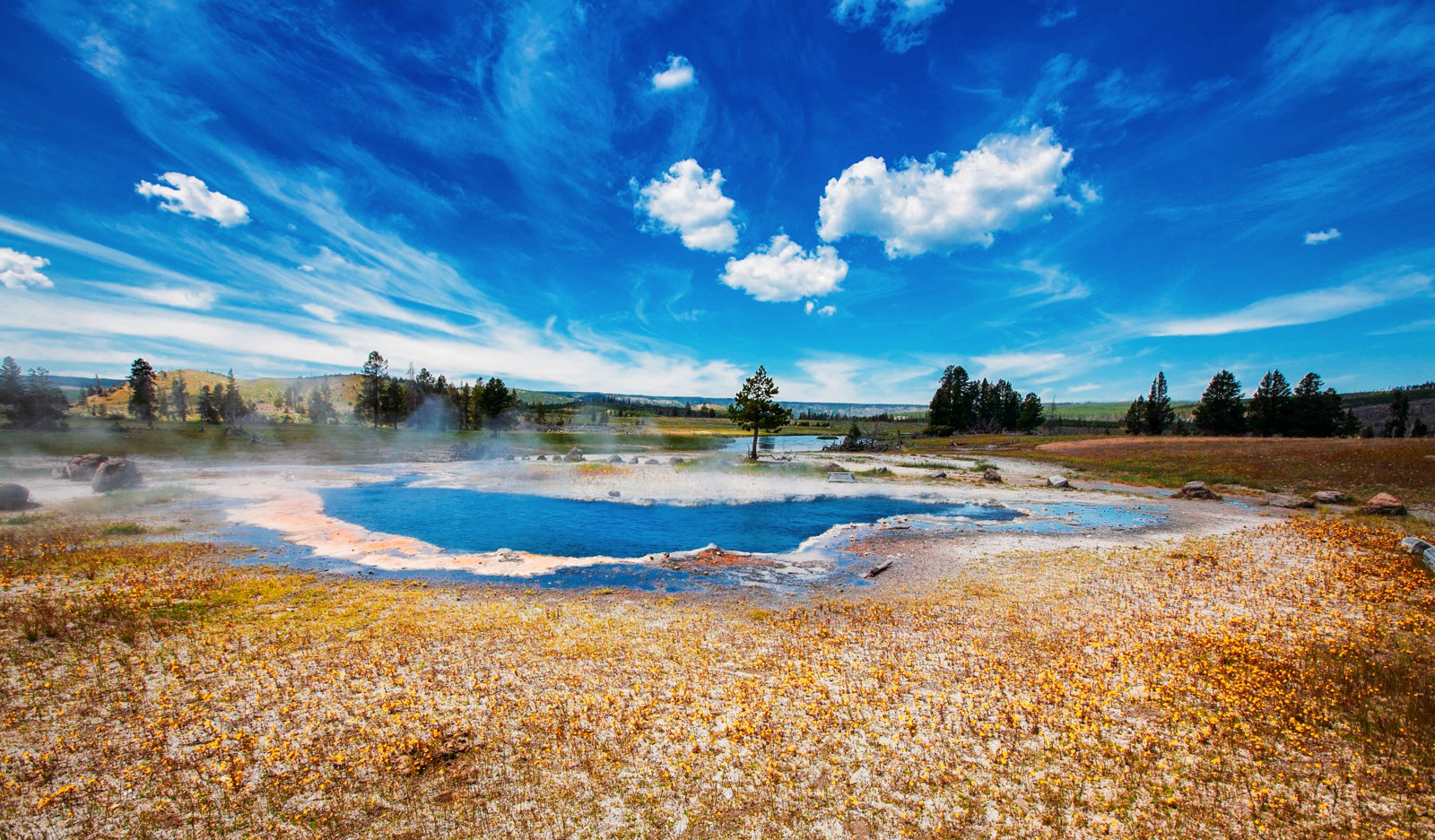 10 Dramatic Sights You Have To See In Yellowstone National Park, USA (12)