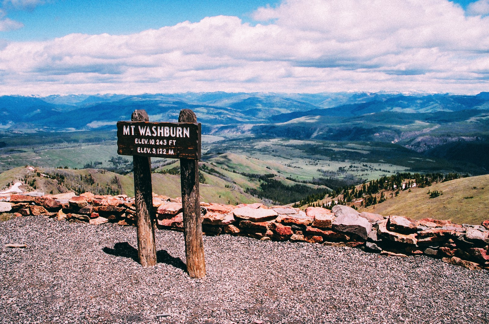 10 Dramatic Sights You Have To See In Yellowstone National Park, USA (15)