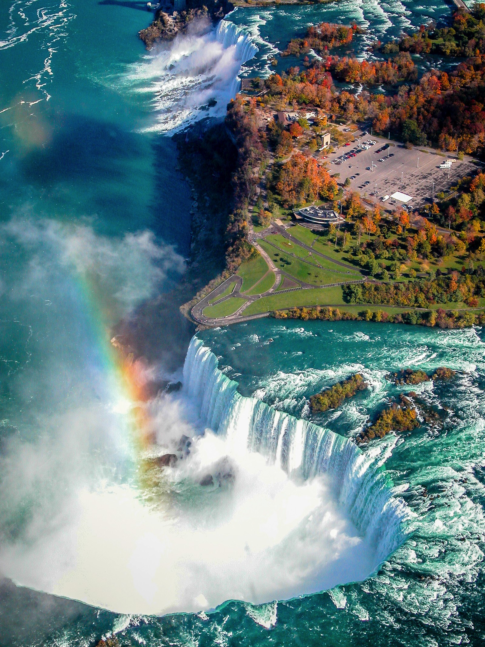 15 Amazing Places You Have To Visit On A Road Trip Across Canada (13)