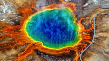 10 Dramatic Sights You Have To See In Yellowstone National Park, USA