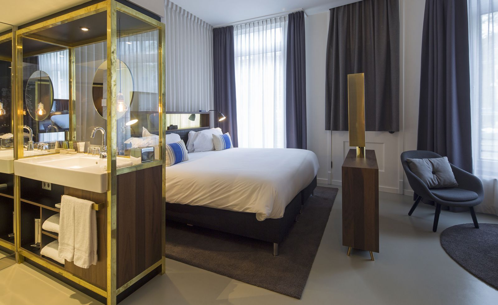 9 Unique And Cool Hotels To Stay At In Amsterdam (2)