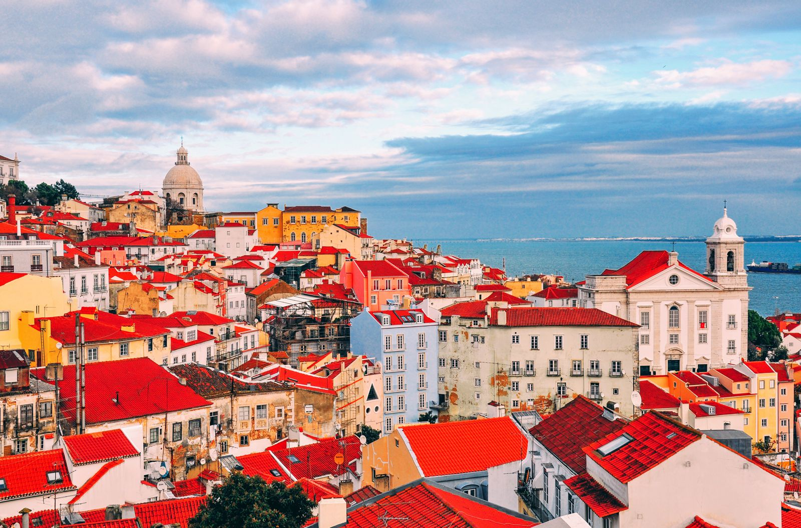 10 Places With The Best Views In Lisbon, Portugal (3)
