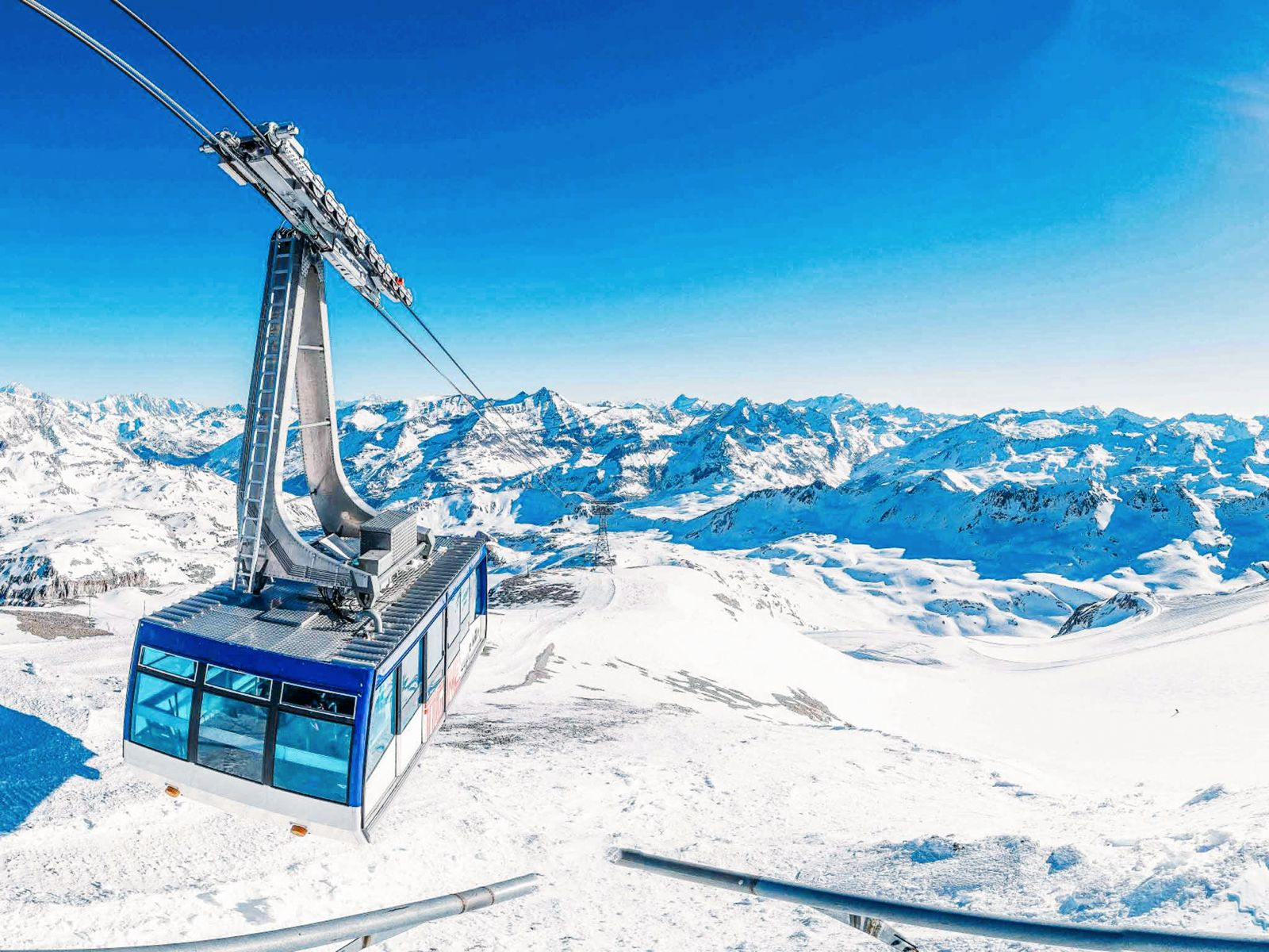 9 Amazing Skiing Resorts To Visit In The Alps Of Europe (7)