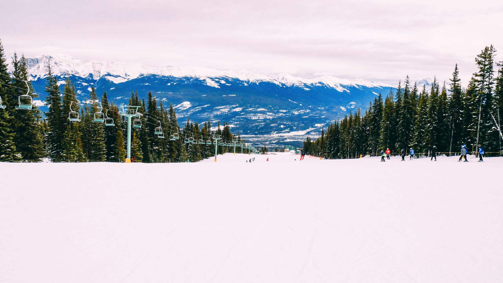 Where To Go Skiing In Jasper, Canada? Marmot Basin! (27)