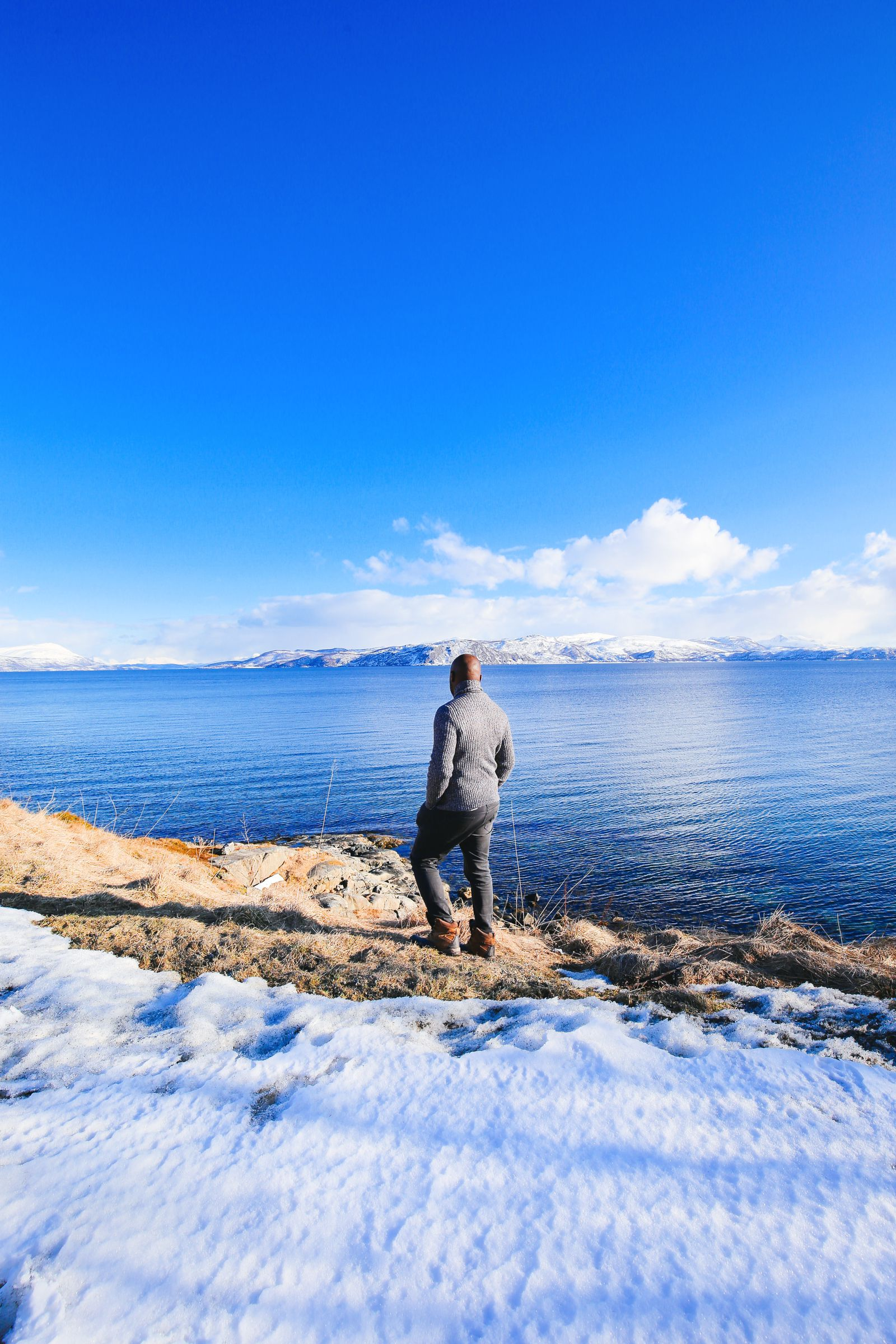 Visiting The Artic Circle in Tromso and Sommaroy in Norway, Europe. Northern Lights, Snow Mountains, Seaside (25) (19)