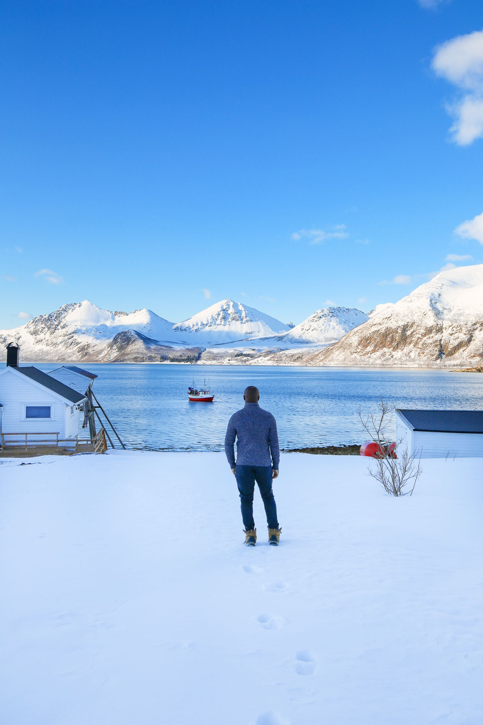 Visiting The Artic Circle in Tromso and Sommaroy in Norway, Europe. Northern Lights, Snow Mountains, Seaside (25) (17)