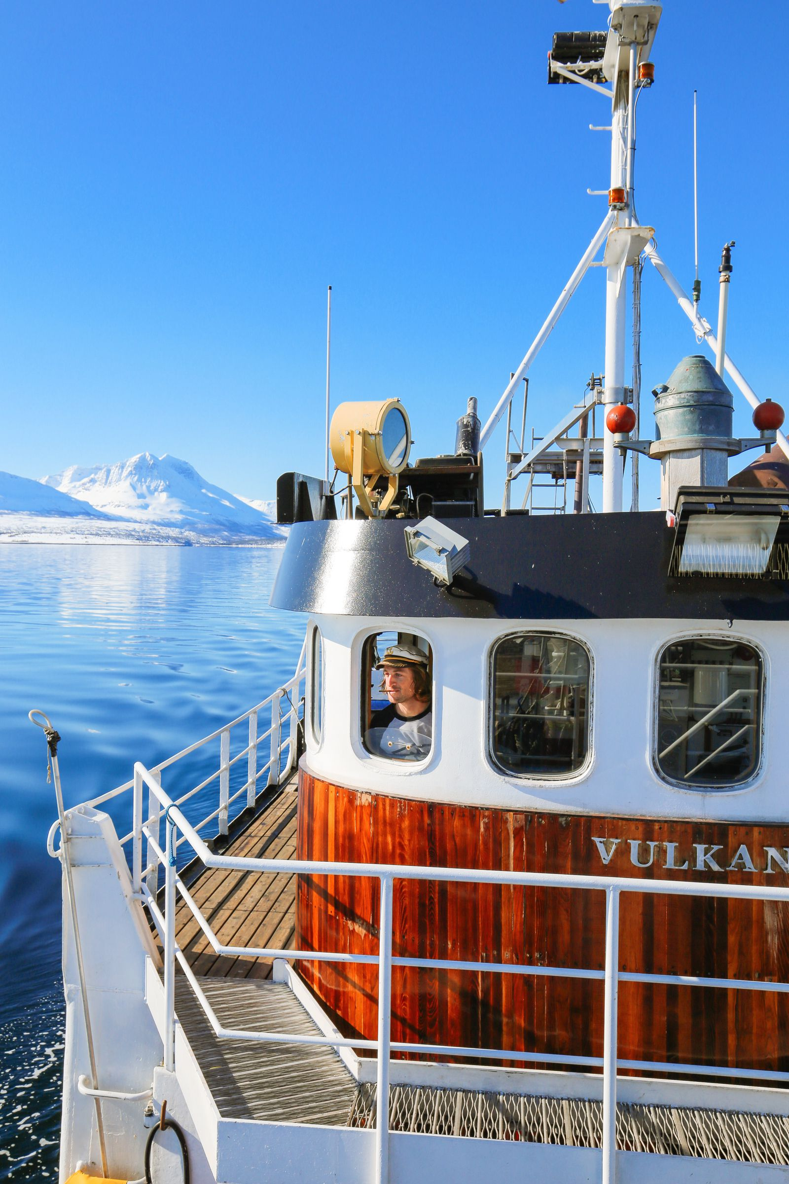 Visiting The Artic Circle in Tromso and Sommaroy in Norway, Europe. Northern Lights, Snow Mountains, Seaside (25) (8)