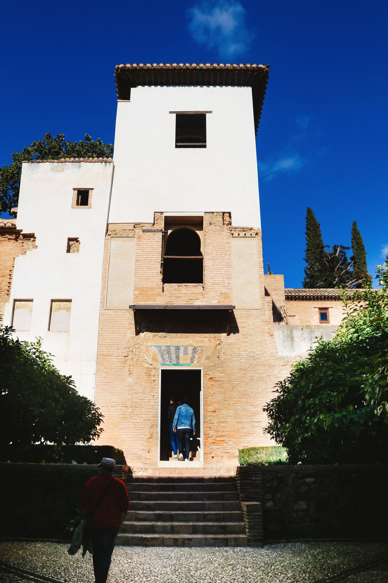 The Absolutely Beautiful Generalife Palace… In Granada, Spain (12)