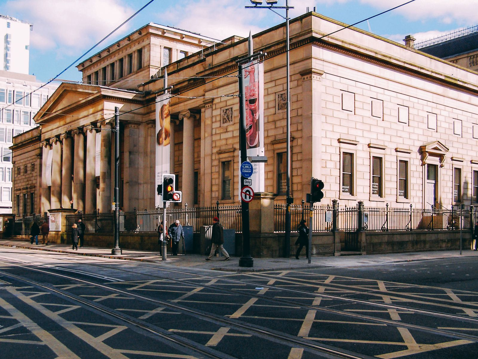11 Places You Have To Visit On A First Time Trip To Manchester... In England, The UK (12)