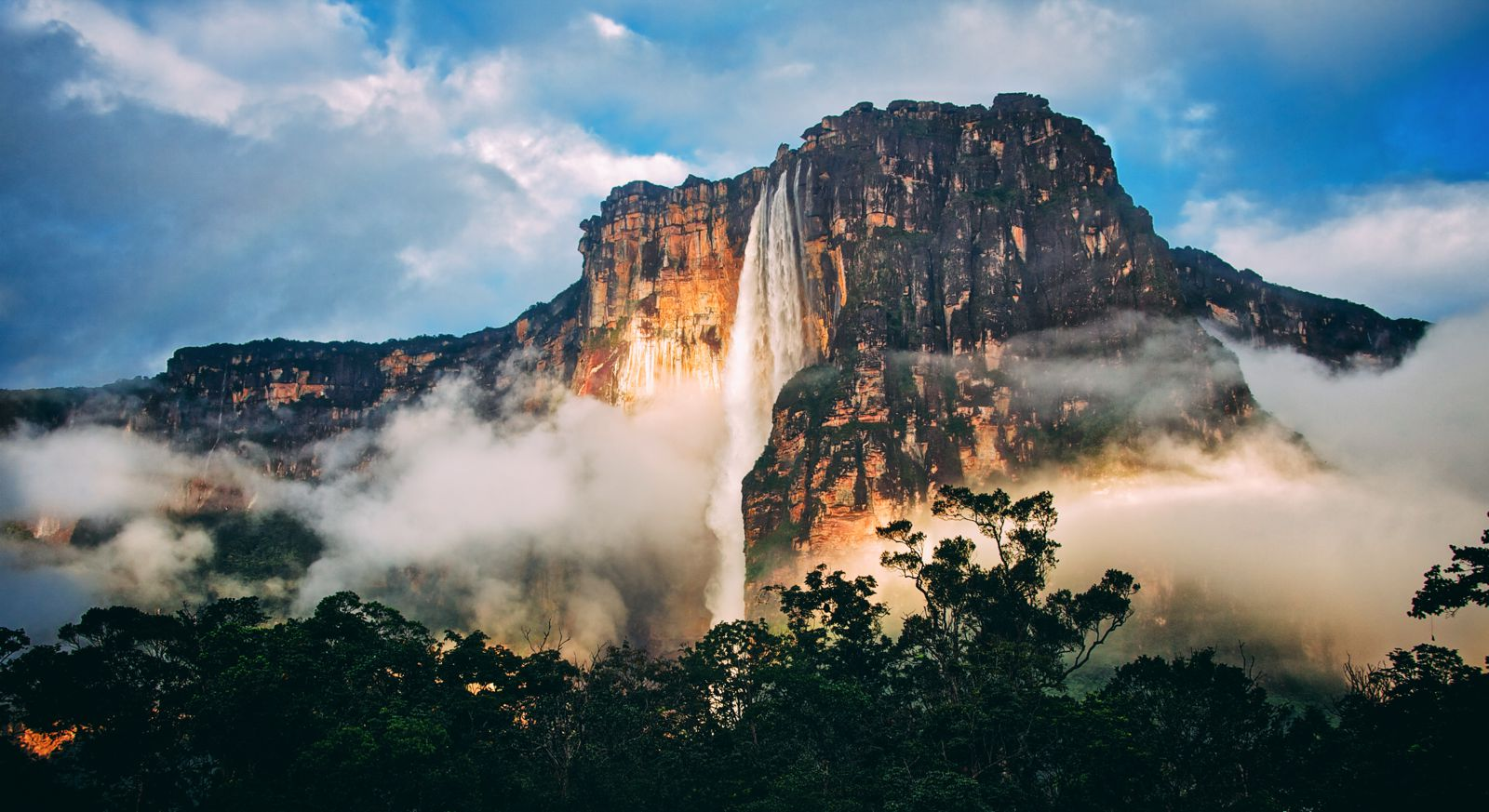 10 Amazing Waterfalls Around The World You Need To See! (11)