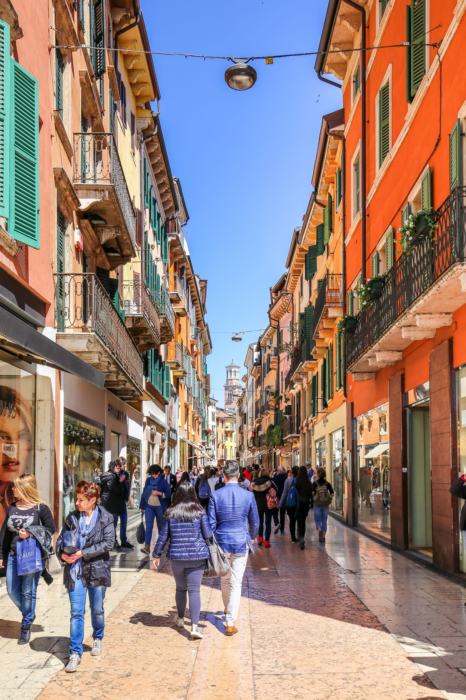 Arriving Into Fair Verona – The Italian Home Of Romeo And Juliet (9)