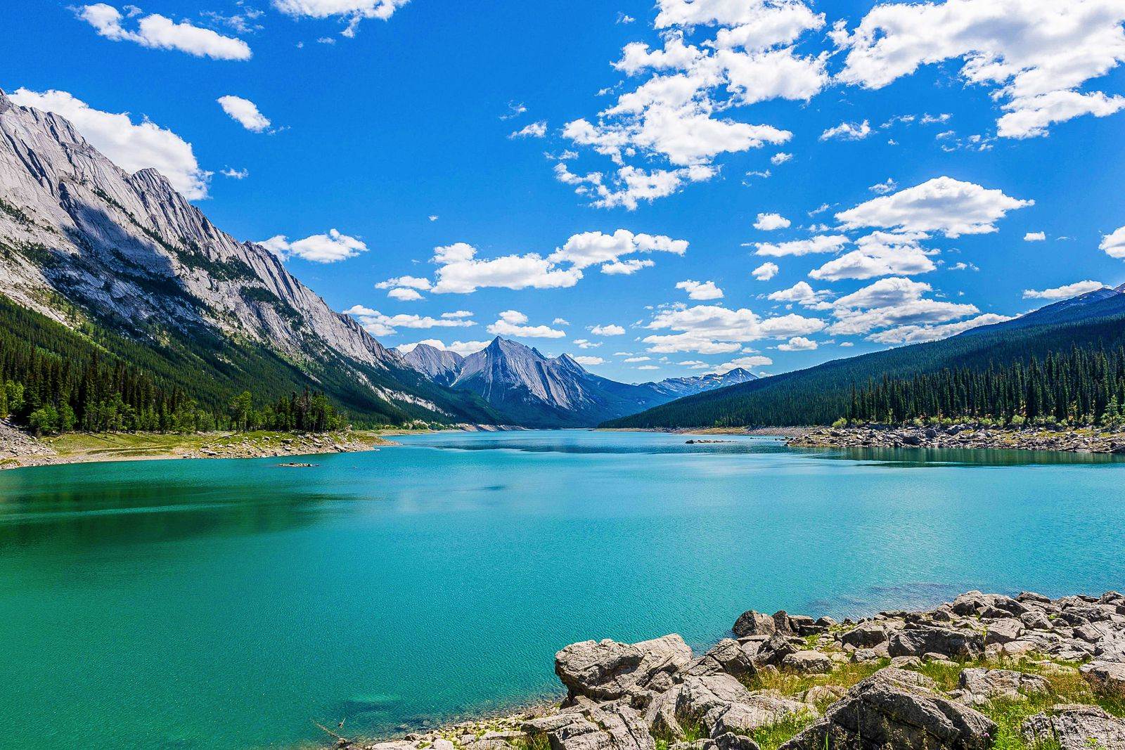 15 Beautiful Places You Have to Visit In Alberta, Canada
