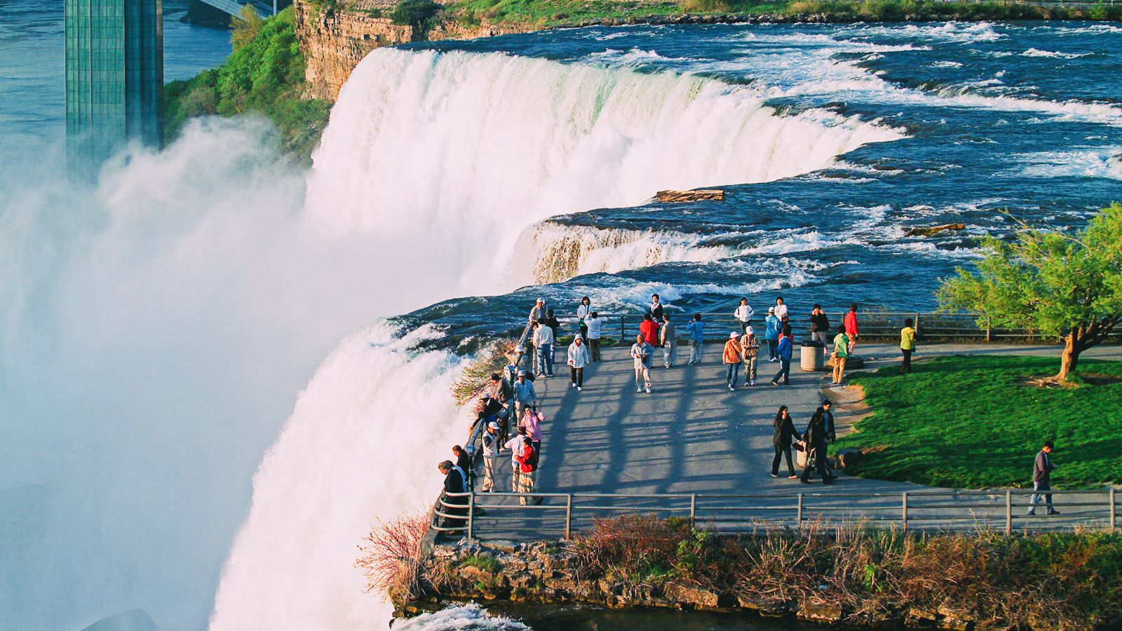 10 Amazing Waterfalls Around The World You Need To See! (7)