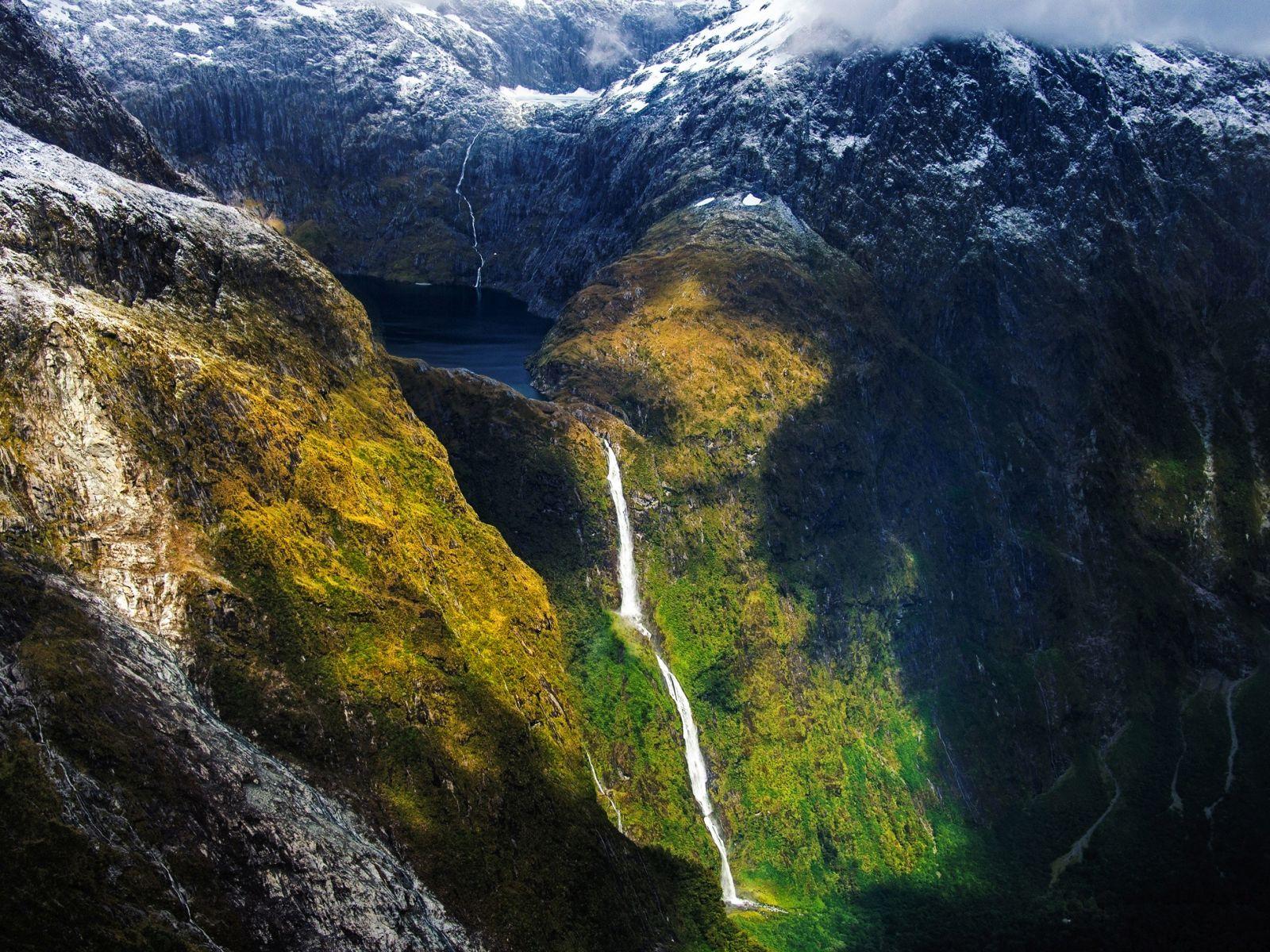 10 Amazing Waterfalls Around The World You Need To See! (5)