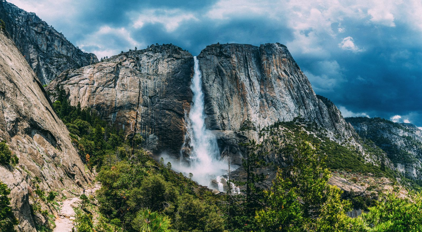 10 Amazing Waterfalls Around The World You Need To See! (2)