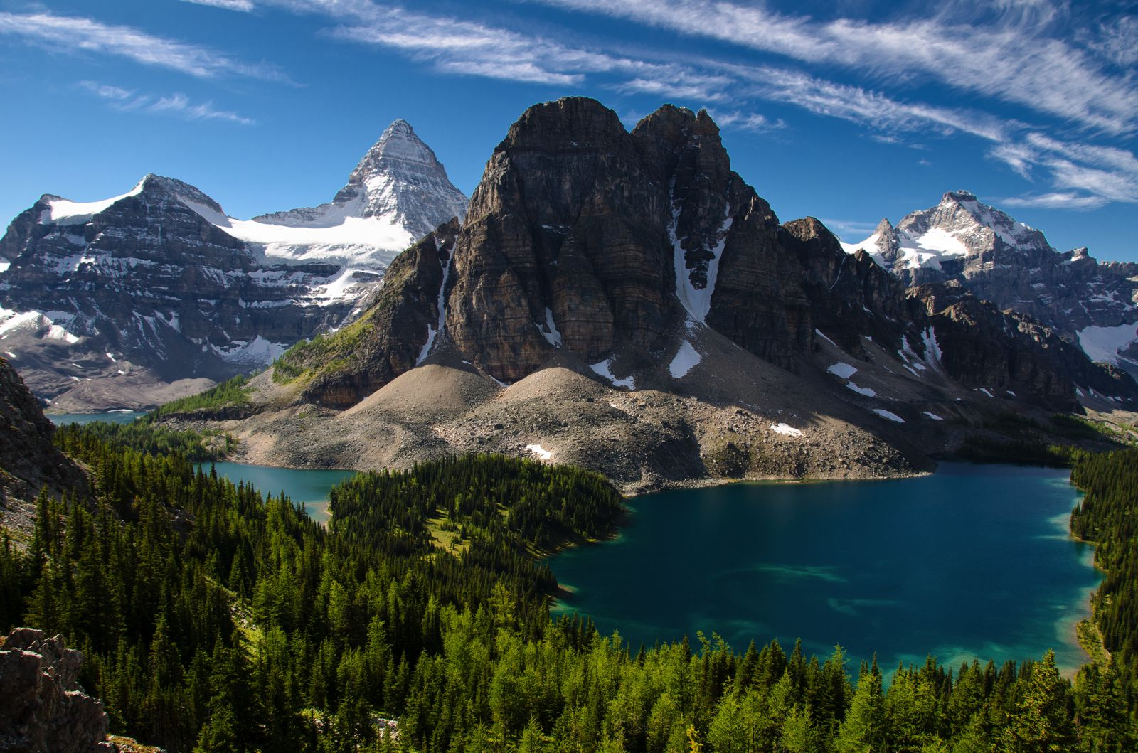 12 Beautiful Places To Visit in British Columbia, Canada (1)