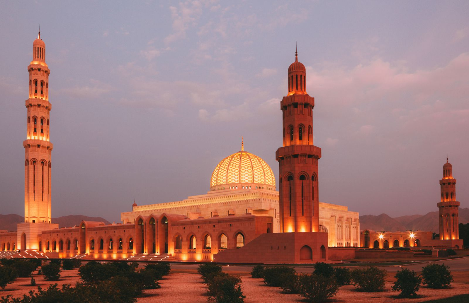 11 Beautiful And Surprising Places You Have To Visit In Oman (9)