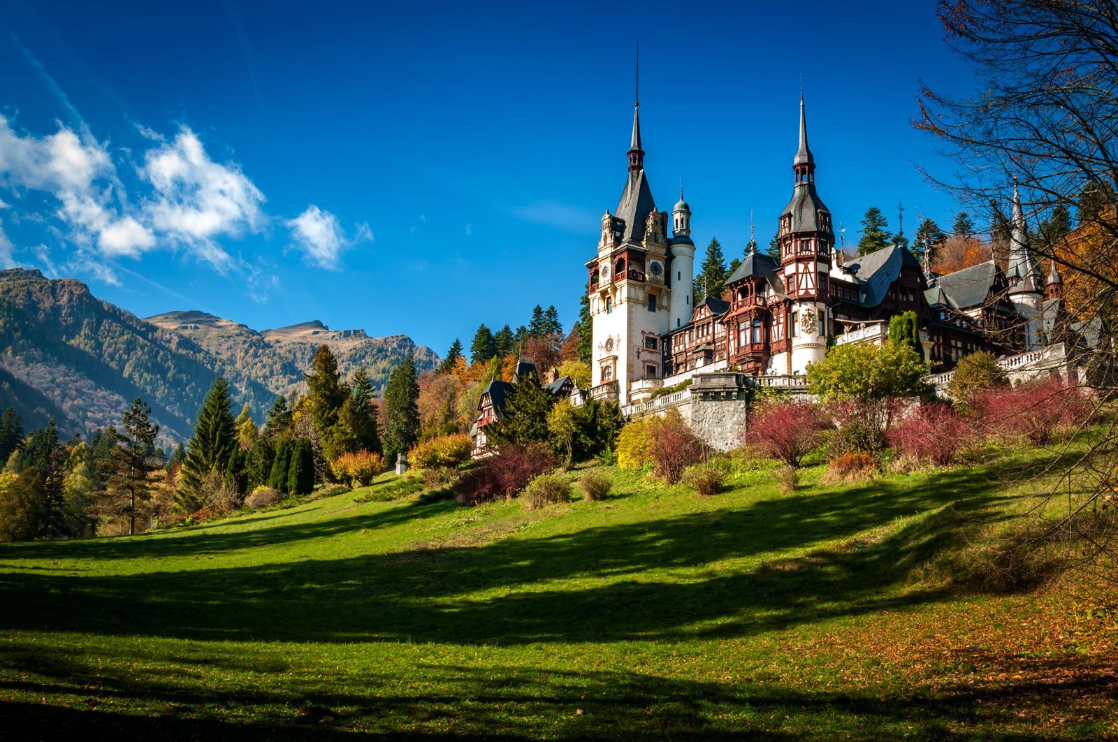 14 gorgeous castles you must see in europe hand luggage only travel food photography blog - Most beautiful manors romania ...