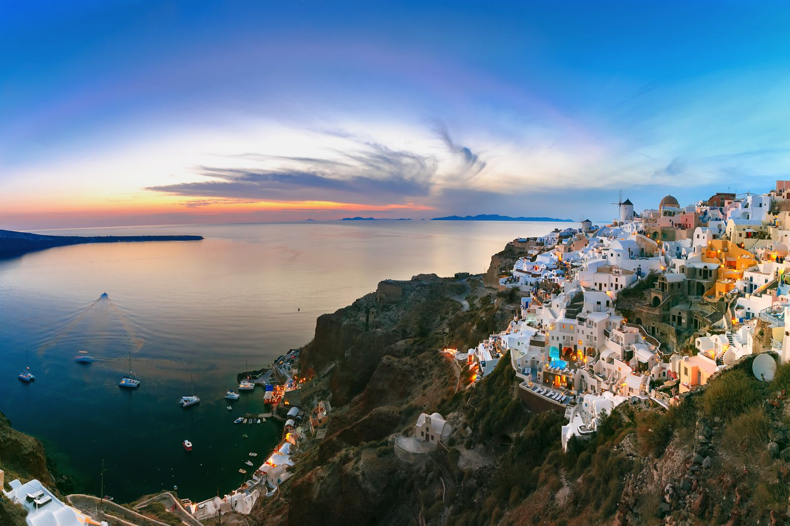12 Stunning Things To See And Do In Santorini, Greece This Year (5)