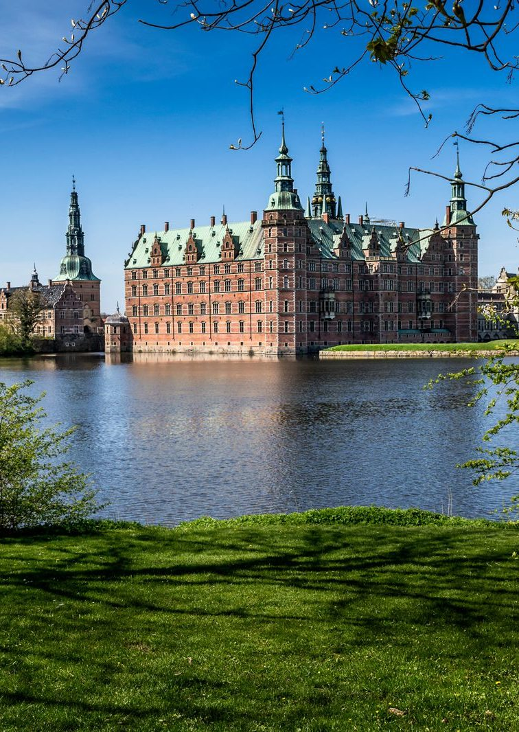 14 Gorgeous Castles You Must See In Europe (5)