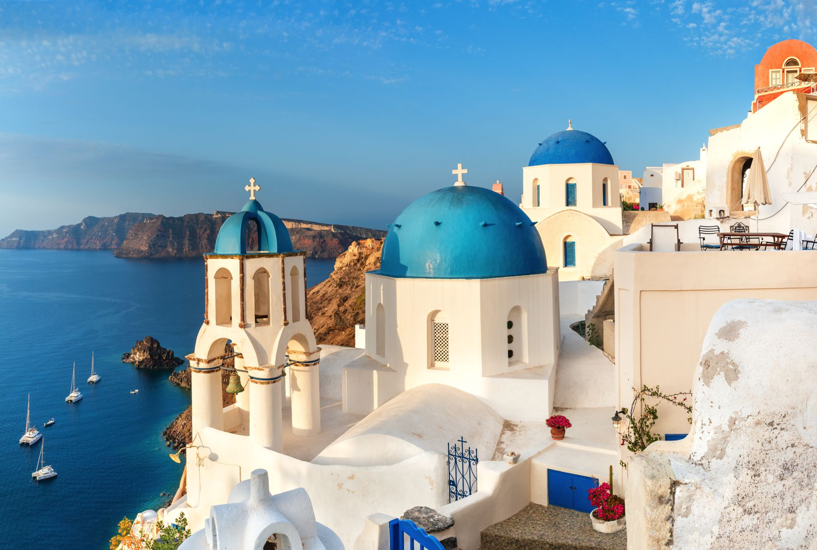 12 Stunning Things To See And Do In Santorini, Greece This Year (8)