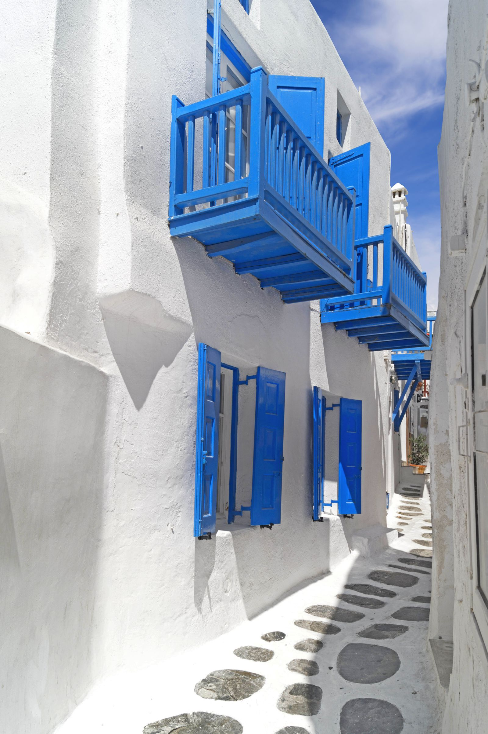 12 Stunning Things To See And Do In Santorini, Greece This Year (9)