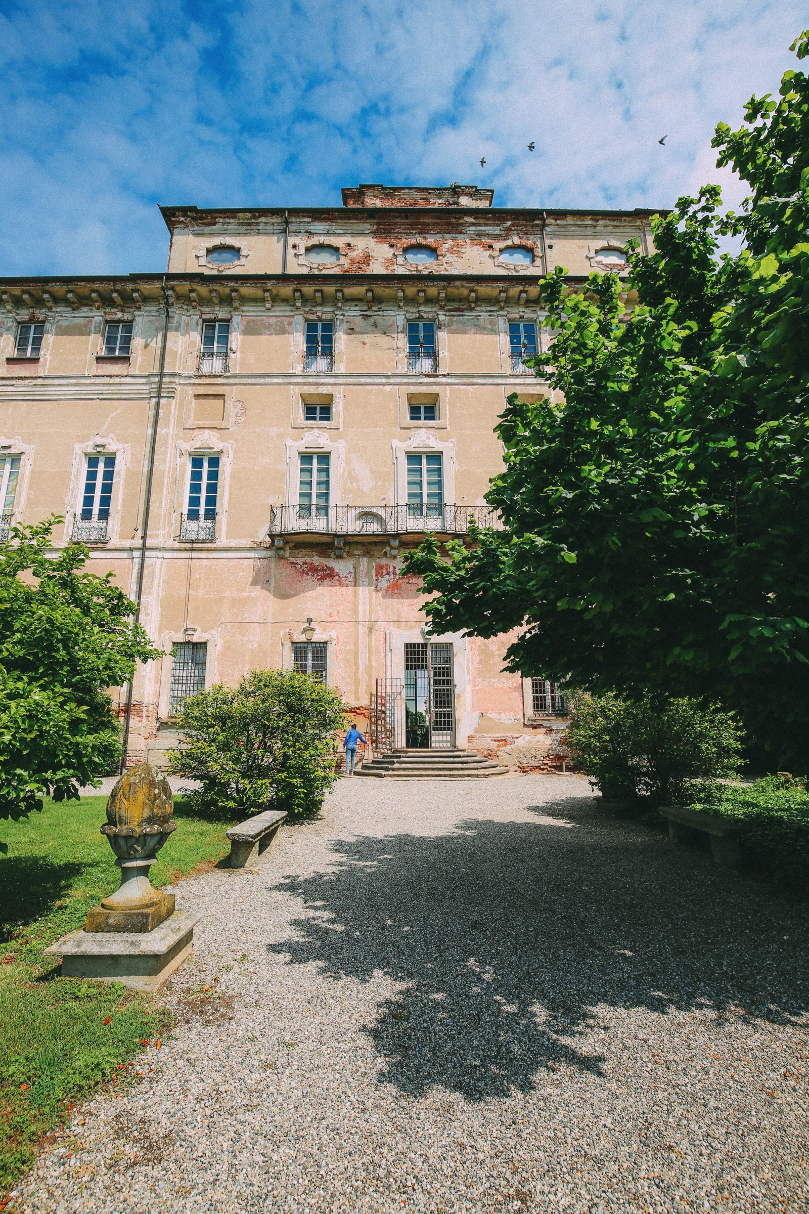 The Most Amazing Noble Villa And An Afternoon In Pizzighettone… In Lombardy, Italy (20)