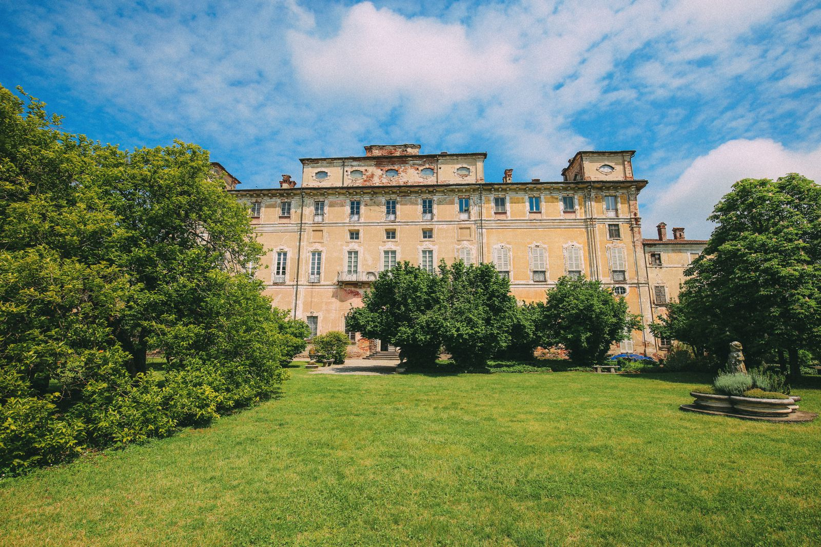 The Most Amazing Noble Villa And An Afternoon In Pizzighettone… In Lombardy, Italy (21)