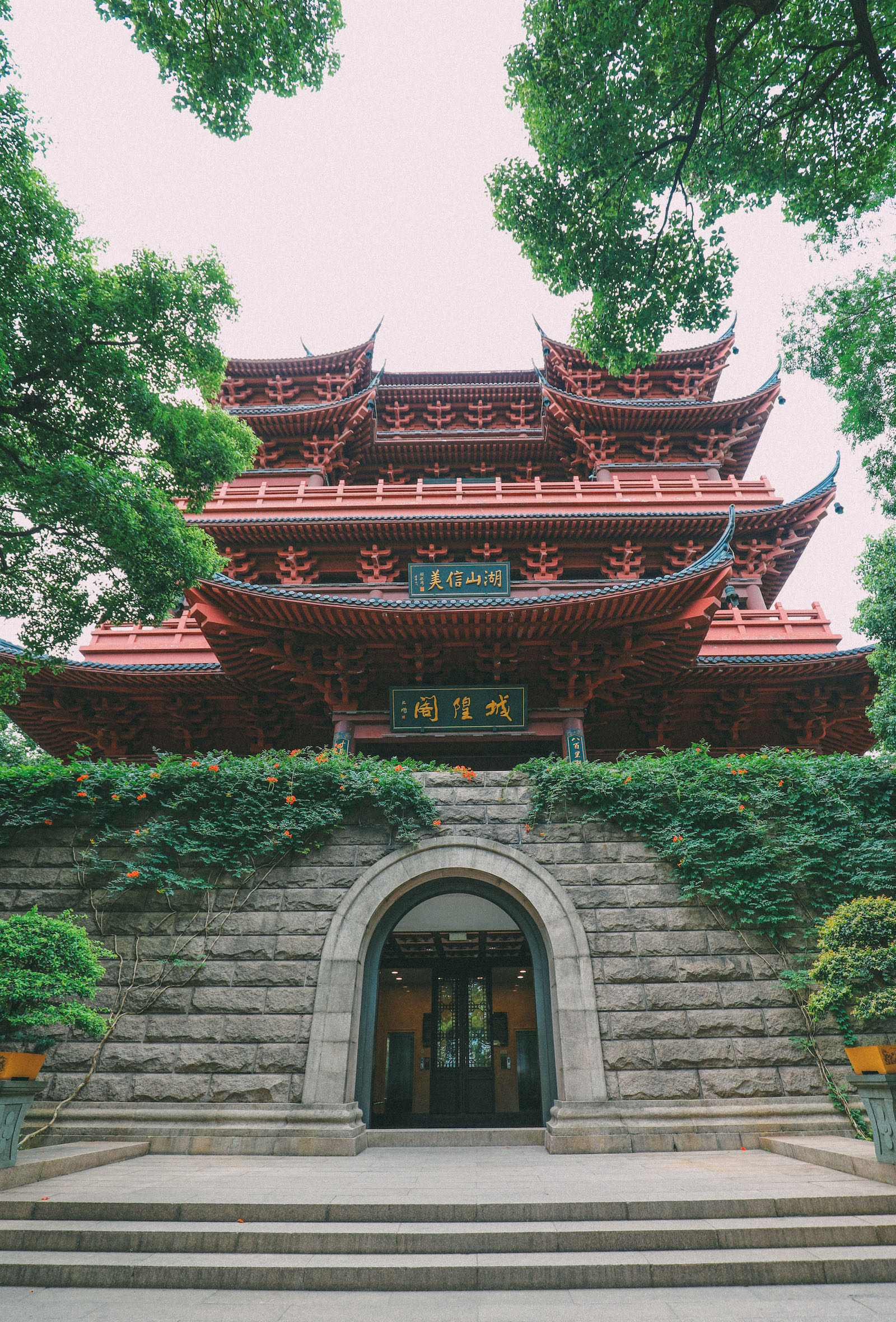 These Are The Many Reasons Why You Need To Visit Hangzhou, China (2)