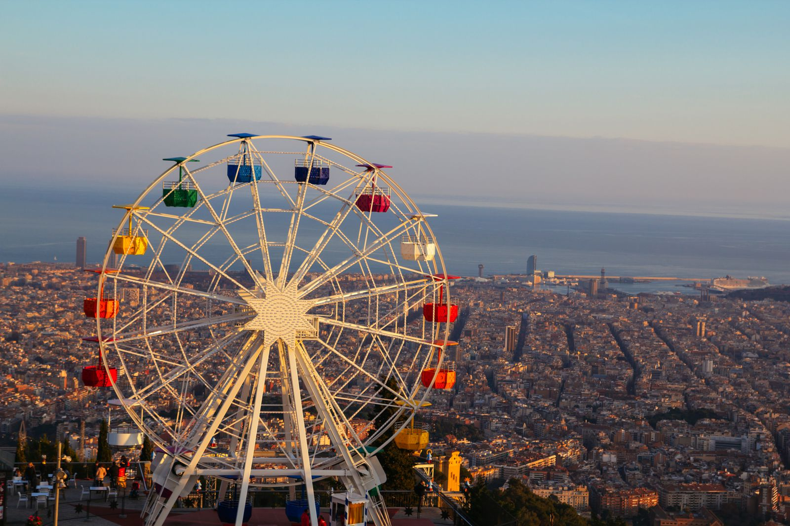 12 Amazing Things To See And Do On A First Trip To Barcelona (12)