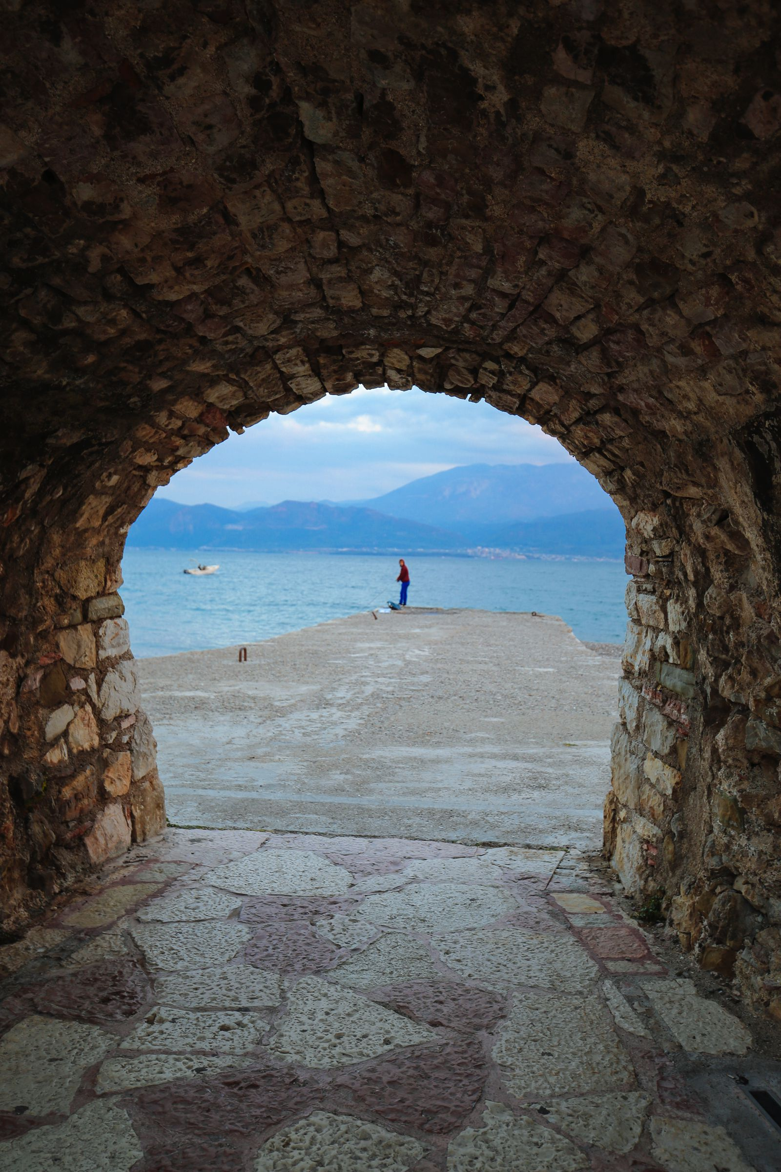 Places You Have to See In Mainland Greece (13)