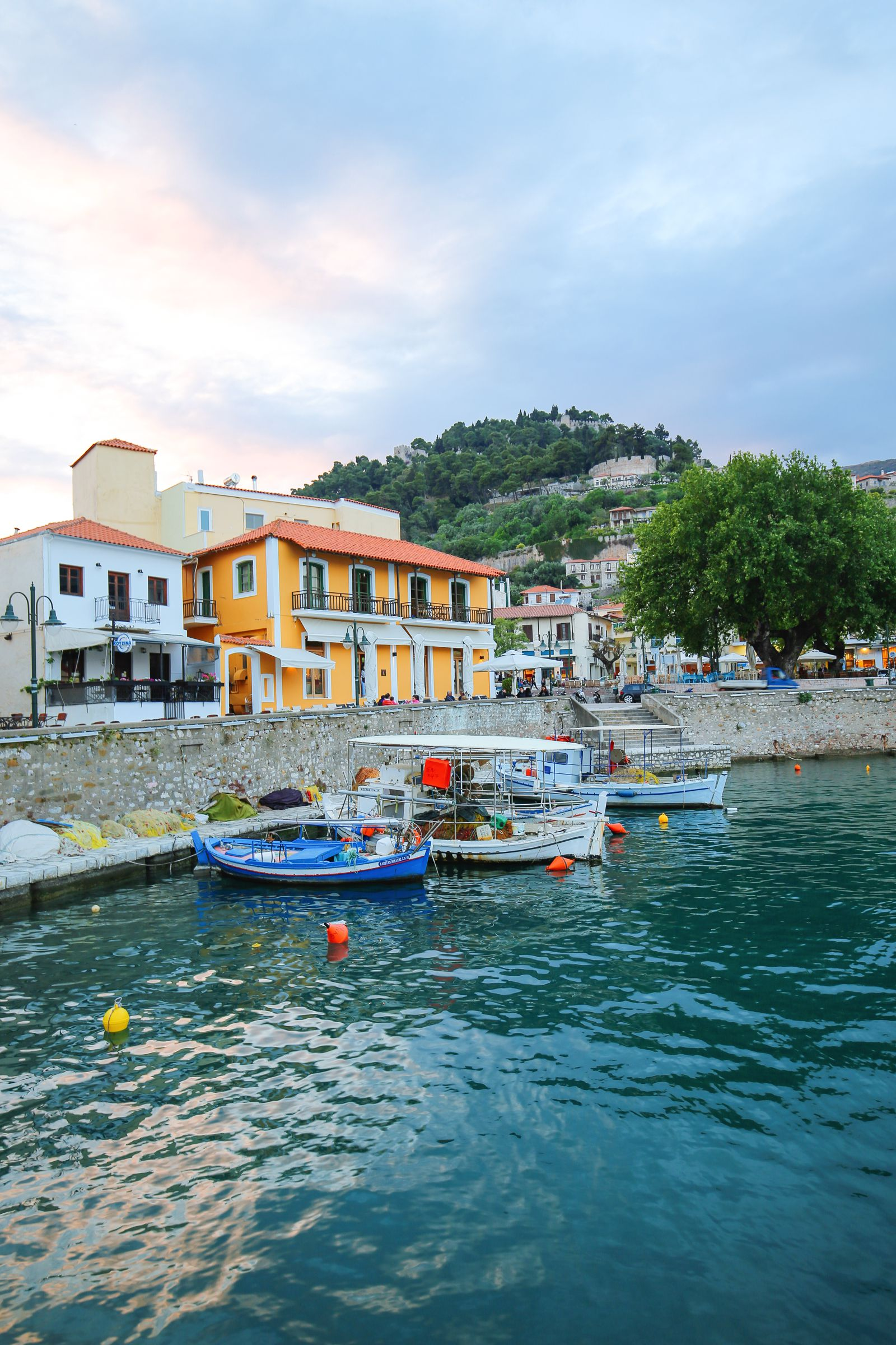 Places You Have to See In Mainland Greece (12)