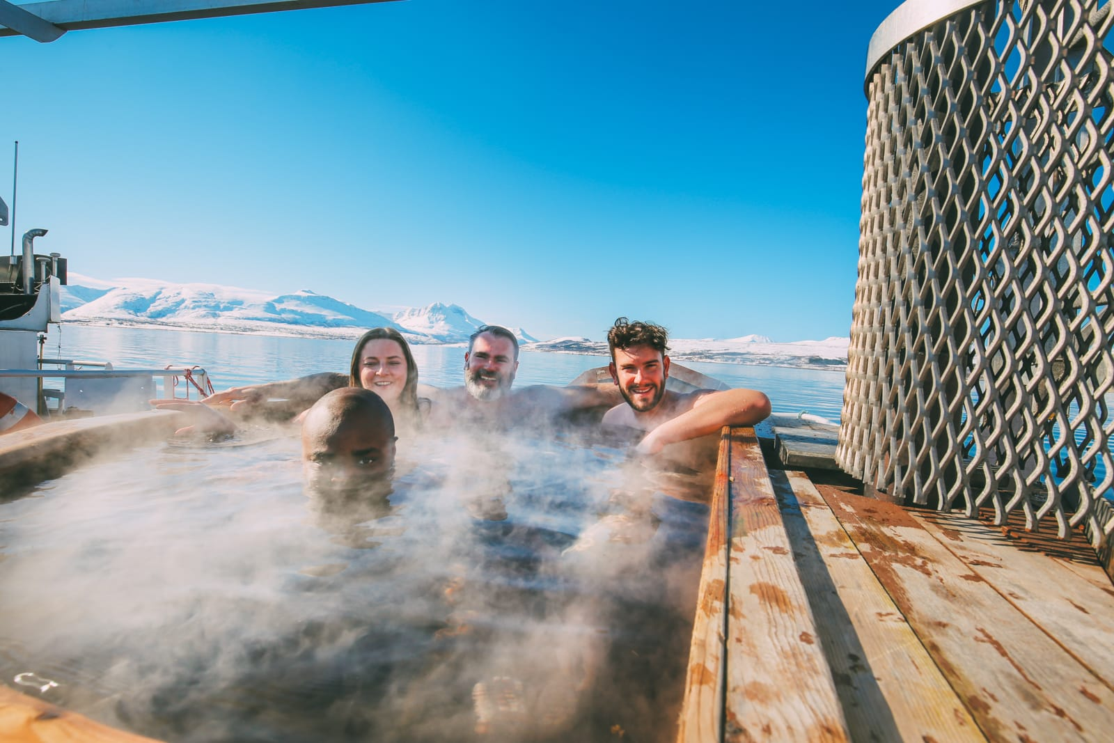 What's It Like To Swim In The Freezing Artic Sea? (32)