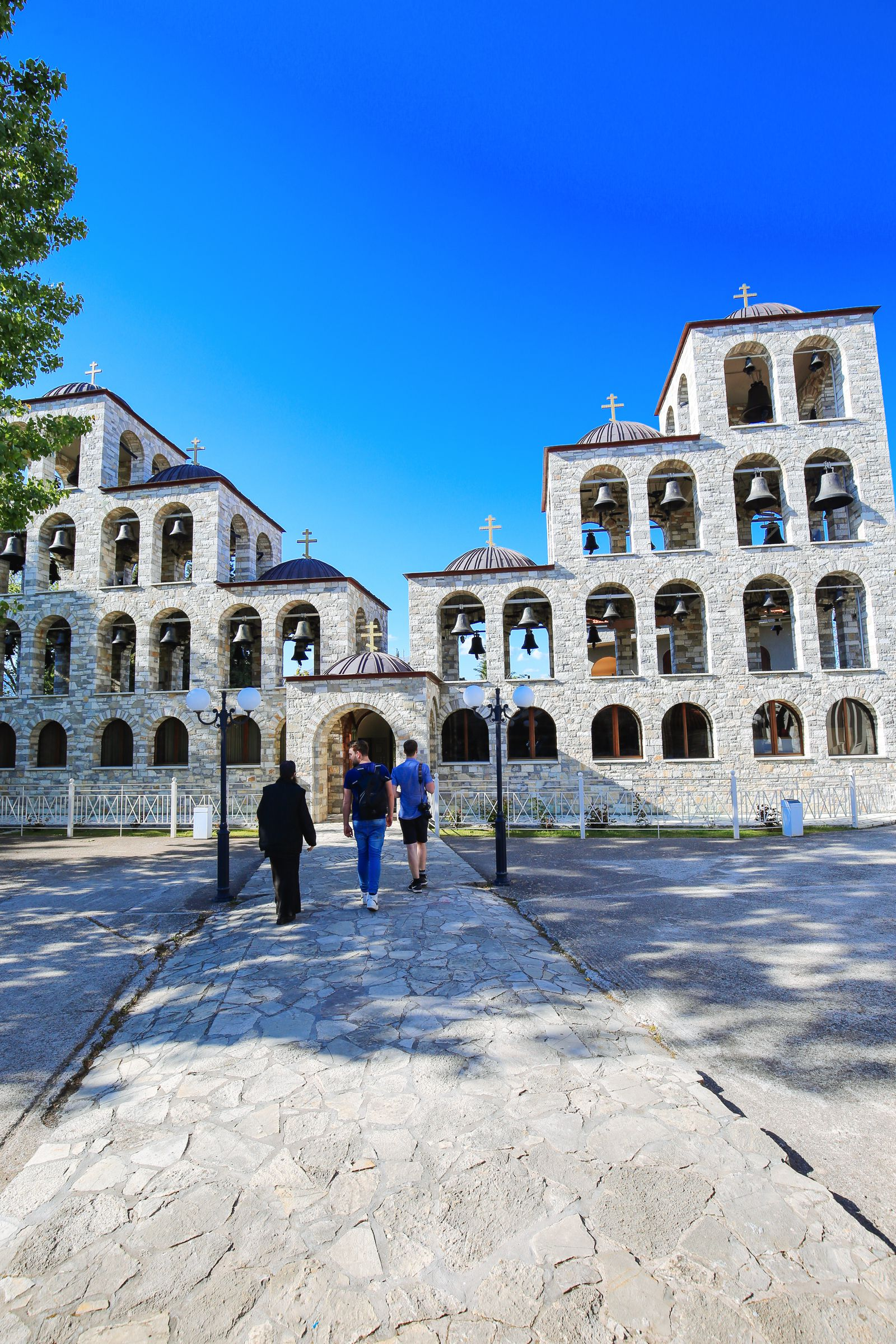 Places You Have to See In Mainland Greece (16)