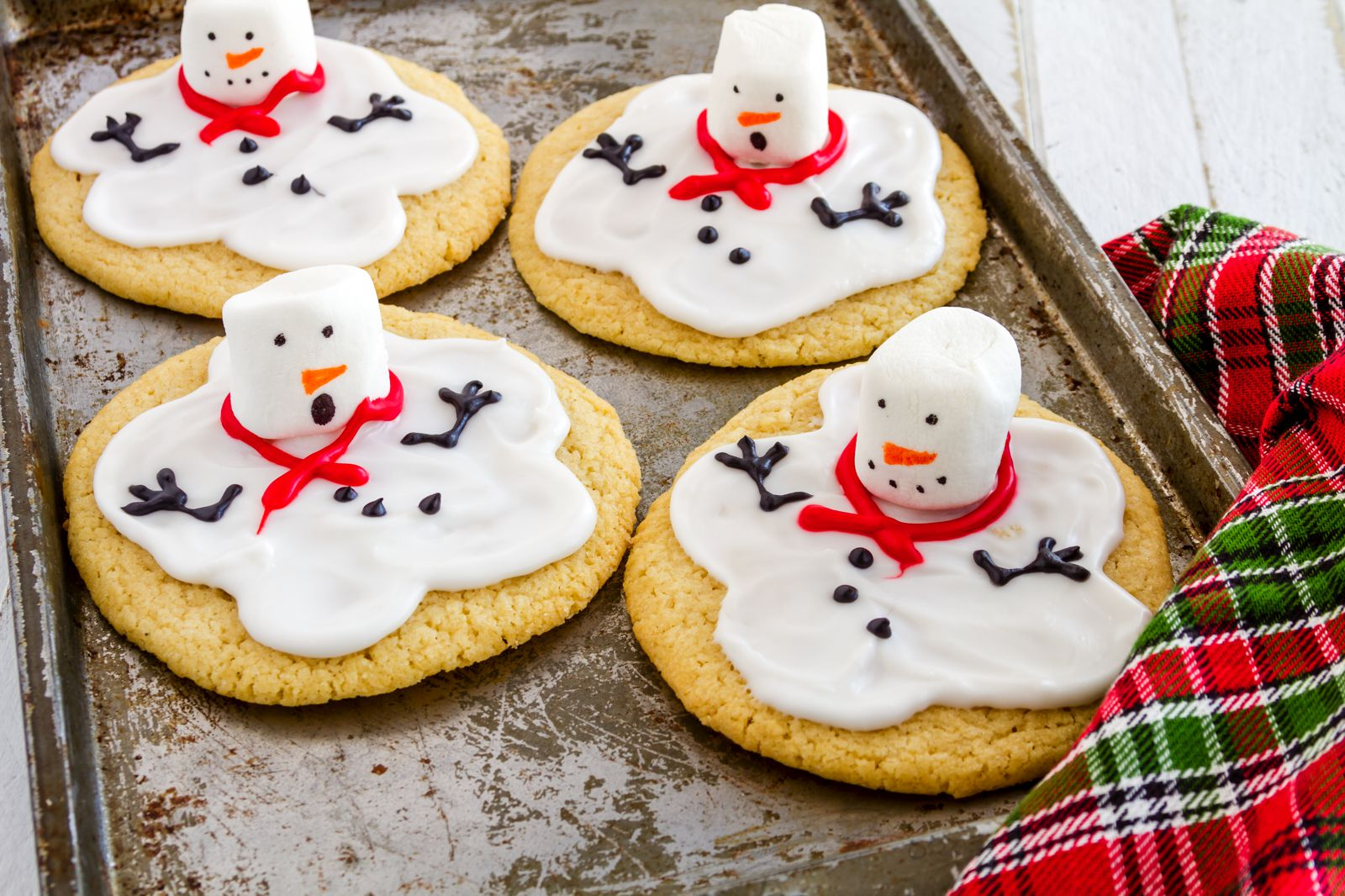 10 Fun, Easy And Delicious Christmas Treats To Make - Hand Luggage ...