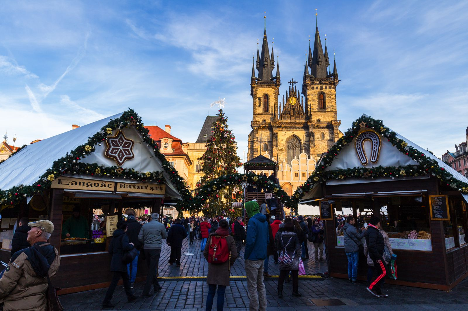 12 Picturesque Christmas Markets You Have To Visit In Europe This Year (17)