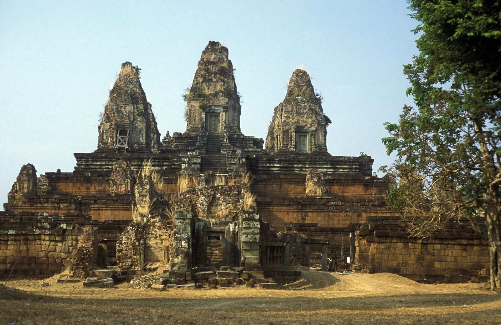 11 Incredible Temples You Have To See In Angkor, Siem Reap, Cambodia (8)