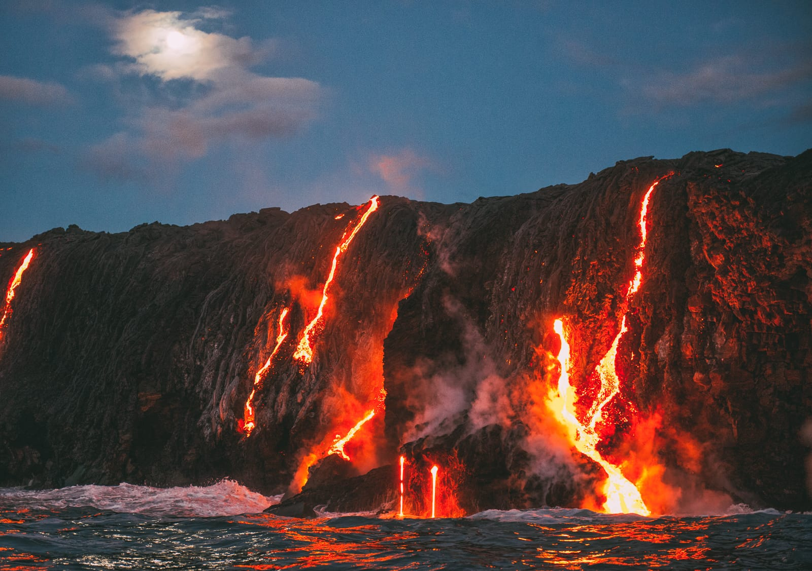 11 Incredible Reasons To Visit Hawaii