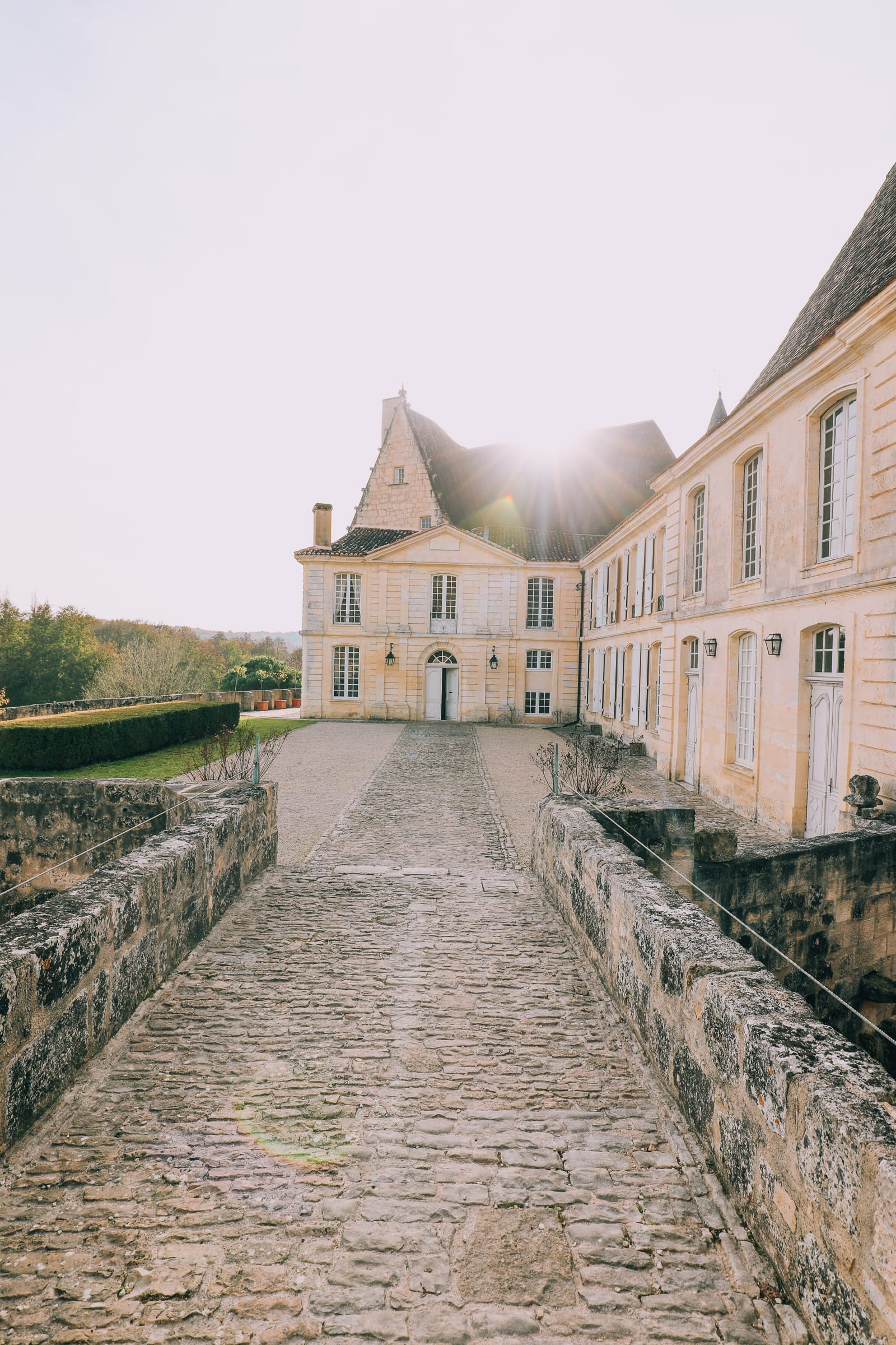 Here's How To Stay In A Castle In France (1)
