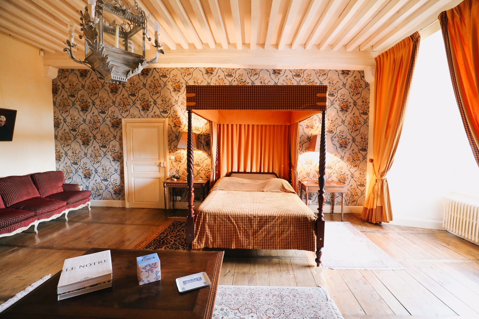 Here's How To Stay In A Castle In France (10)