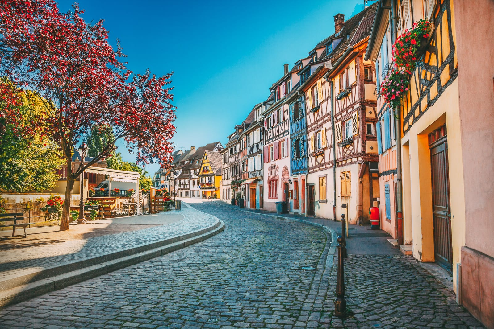 17 Colourful Towns And Cities To Visit In Europe! (21)