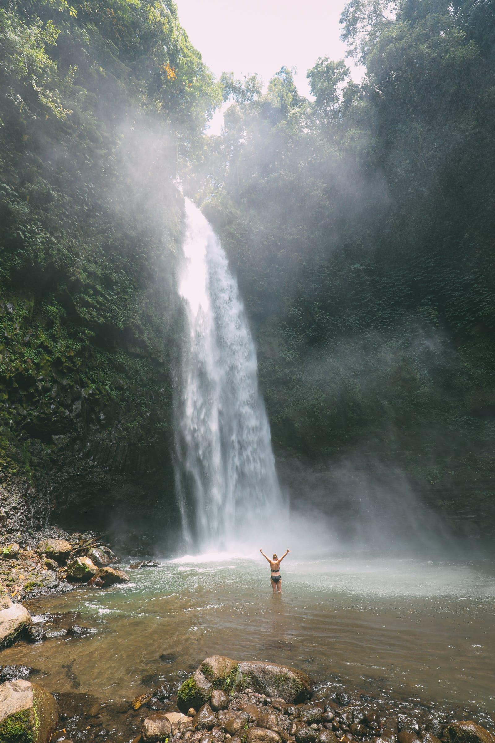 Bali Travel - The Beautiful Nungnung Waterfall And Ulun Danu Bratan Temple (9)
