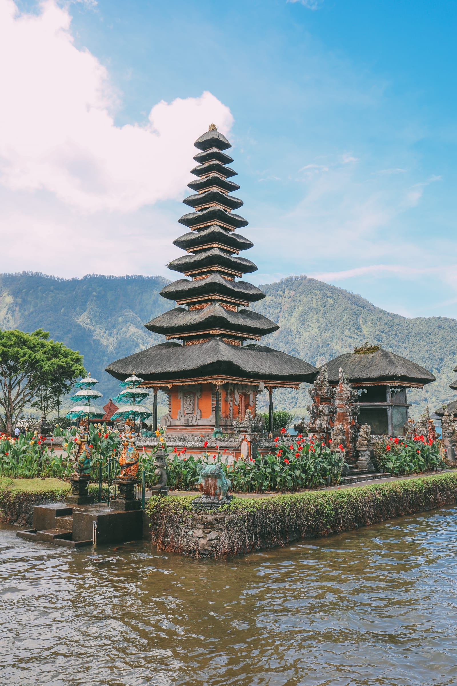 Bali Travel - The Beautiful Nungnung Waterfall And Ulun Danu Bratan Temple (31)